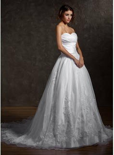 Ball-Gown Sweetheart Chapel Train Organza Satin Wedding Dress With Ruffle Appliques Lace