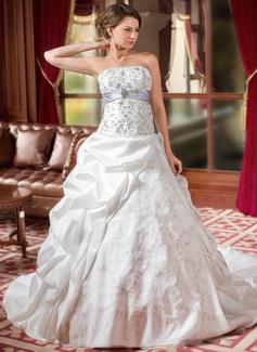 Corte de baile Estrapless Tren de la catedral Tafetán Organdí Vestido de novia con Bordado Volantes Fajas Bordado Lentejuelas