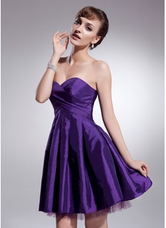 A-Line/Princess Sweetheart Short/Mini Taffeta Homecoming Dress With Ruffle