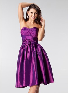A-Line/Princess Sweetheart Knee-Length Taffeta Homecoming Dress With Ruffle Beading Flower(s) (022020884)