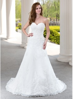 A-Line/Princess Sweetheart Court Train Tulle Wedding Dress With Ruffle Lace Beadwork (002000492)