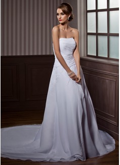 Corte A/Princesa Estrapless La capilla de tren Chifón Vestido de novia con Volantes Bordado