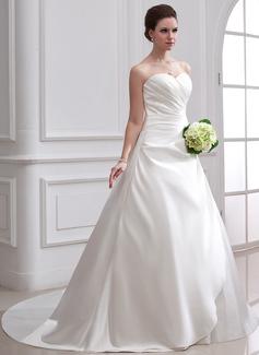 Corte de baile Escote corazón Cola capilla Satén Vestido de novia con Volantes