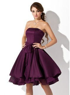 A-Line/Princess Strapless Knee-Length Chiffon Satin Chiffon Bridesmaid Dress With Ruffle Bow(s)