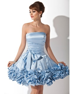 A-Line/Princess Strapless Knee-Length Charmeuse Homecoming Dress With Ruffle Bow(s)