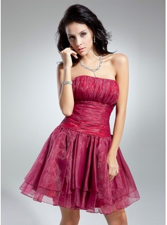 A-Line/Princess Strapless Knee-Length Organza Cocktail Dress With Ruffle (016014890)