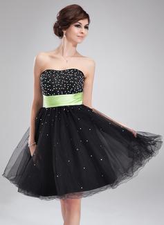 A-Line/Princess Sweetheart Knee-Length Satin Tulle Homecoming Dress With Sash Beading