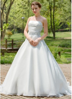 Corte A/Princesa Estrapless Tren de la corte Organdí Vestido de novia con Volantes Bordado