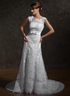A-Line/Princess Square Neckline Chapel Train Tulle Wedding Dress With Appliques Lace Bow(s)