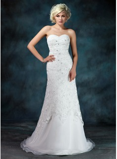A-Line/Princess Sweetheart Court Train Organza Lace Wedding Dress With Ruffle Beadwork Sequins