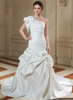 Corte trompeta/sirena Un sólo hombro Cola capilla Satén Vestido de novia con Volantes