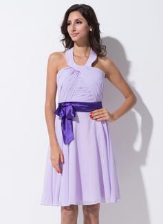 A-Line/Princess Halter Knee-Length Chiffon Charmeuse Bridesmaid Dress With Ruffle Sash Bow(s)