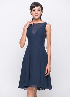 A-Line/Princess Scoop Neck Knee-Length Chiffon Bridesmaid Dress