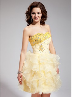 A-Line/Princess Sweetheart Short/Mini Organza Homecoming Dress With Ruffle Beading (022021304)