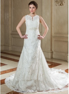 A-Line/Princess V-neck Chapel Train Organza Wedding Dress With Lace Beading