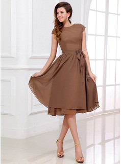A-Line/Princess Scoop Neck Knee-Length Chiffon Bridesmaid Dress (007017303)