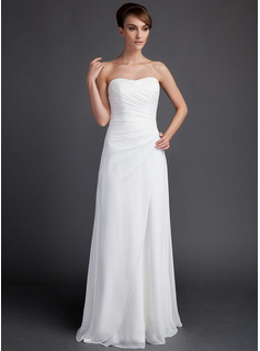 Sheath/Column Sweetheart Court Train Chiffon Wedding Dress With Ruffle (002011592)