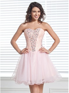 A-Line/Princess Sweetheart Short/Mini Organza Homecoming Dress With Lace Beading