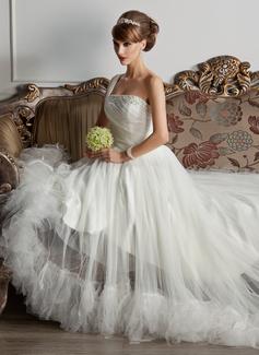 Corte A/Princesa Un sólo hombro Cola corte Tul Vestido de novia con Volantes Bordado Pluma