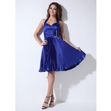 A-Line/Princess Halter Knee-Length Charmeuse Cocktail Dress With Ruffle Beading (016008369)