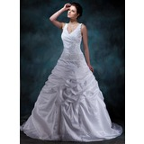 Forme Princesse Col V Traîne moyenne Taffeta Robe de mariée avec Plissé Emperler Motifs appliqués Dentelle