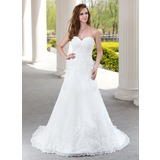 A-Line/Princess Sweetheart Court Train Tulle Wedding Dress With Ruffle Beading Appliques Lace