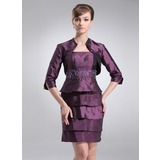 Sheath Short/Mini Taffeta Mother of the Bride Dress With Beading (008006087)