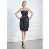 Sheath/Column Strapless Knee-Length Lace Little Black Dress