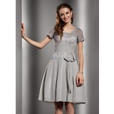 A-Line/Princess Square Neckline Knee-Length Chiffon Lace Homecoming Dress With Ruffle (022020676)