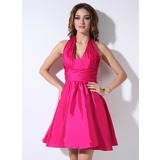 A-Line/Princess Halter Short/Mini Taffeta Bridesmaid Dress With Ruffle (007022535)