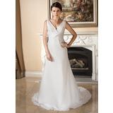 Forme Princesse Col V Traîne moyenne Mousseline Robe de mariée avec Plissé