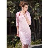 Etui-Linie V-Ausschnitt Knielang Spitze Kleid für die Brautmutter mit Rüschen