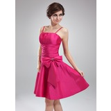 A-Line/Princess Knee-Length Taffeta Homecoming Dress With Ruffle Beading Bow(s)