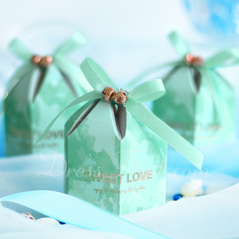 Beautiful diamond shape Card Paper Favor Bags With Ribbons (Set of 20)