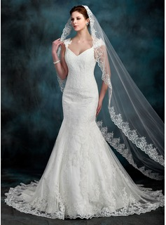 Trumpet/Mermaid Sweetheart Chapel Train Tulle Lace Wedding Dress With Beading