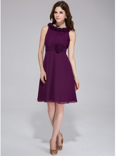 A-Line Scoop Neck Knee-Length Chiffon Bridesmaid Dress With Ruffle Flower(s)
