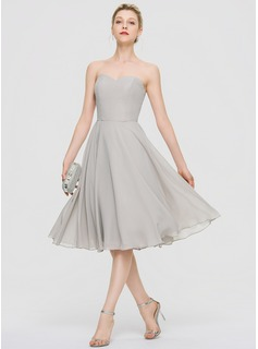 A-Line Sweetheart Knee-Length Chiffon Cocktail Dress With Beading Sequins