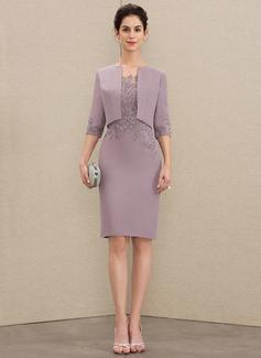 Sheath/Column Scoop Neck Knee-Length Chiffon Lace Cocktail Dress