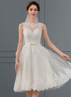 A-Linje Illusion Knälång Tyll Bröllopsklänning med Rosett/-er