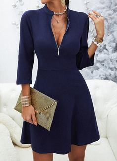 Solid A-linjeklänning 3/4 ärmar Mini Den lilla svarta Fritids skater Modeklänningar