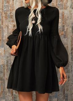 Sólido Vestidos sueltos Manga Larga Mini Pequeños Negros Casual Túnica Vestidos de moda