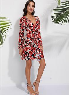 Nad kolanem Litera V Szyfon Długie rękawy Nadruk/Kwiatowy Modne Suknie
