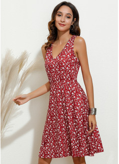 Knee Length V neck Polyester Print Sleeveless Fashion Dresses