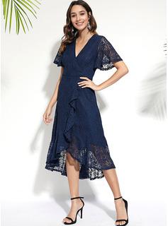knælange V-hals Polyester Blonder/Solid Korte ærmer Mode kjoler