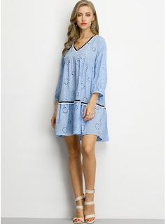 Print Shiftklänningar 3/4 ärmar Mini tappning utformar Fritids Semester Modeklänningar