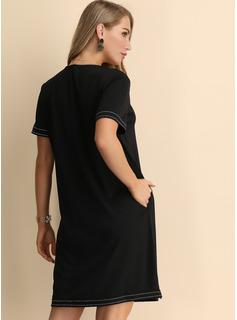 Kolano Długość Litera V Poliester Wydrukować Krótkie Rękawy Modne Suknie
