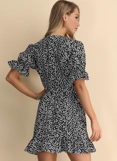 Vestido línea A Cuello en V poliéster Vestidos de moda
