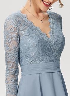 A-Line V-neck Knee-Length Chiffon Lace Cocktail Dress