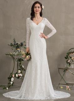 Trumpet/Mermaid V-neck Court Train Lace Wedding Dress