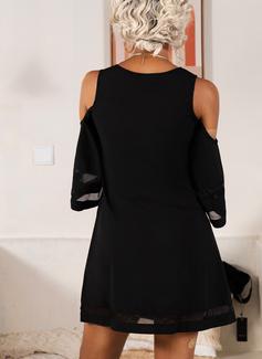 Solid Shiftklänningar 3/4 ärmar Kall axel Mini Den lilla svarta Fritids Elegant Tunika Modeklänningar
